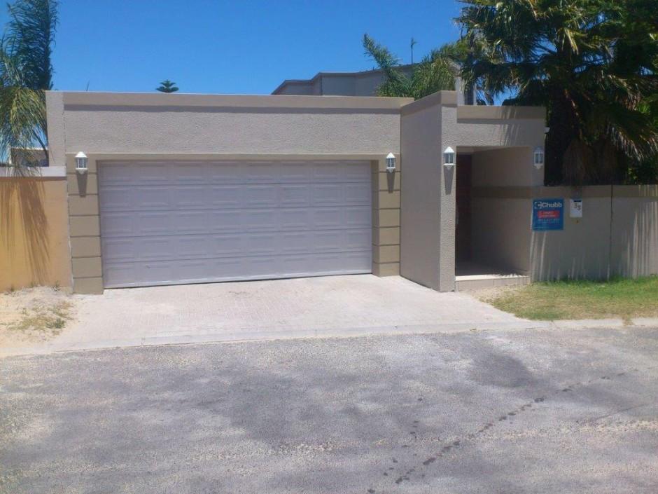 Garage Facade garage facade in front of carport and entrance - atlantic sun